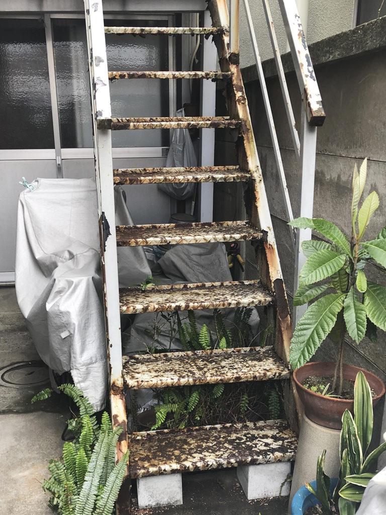 工事前鉄骨階段の様子