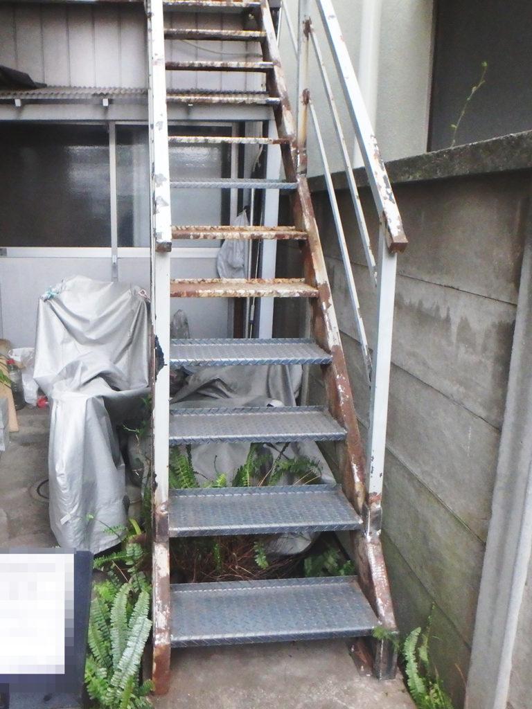 鉄骨階段踏板溶接後の様子