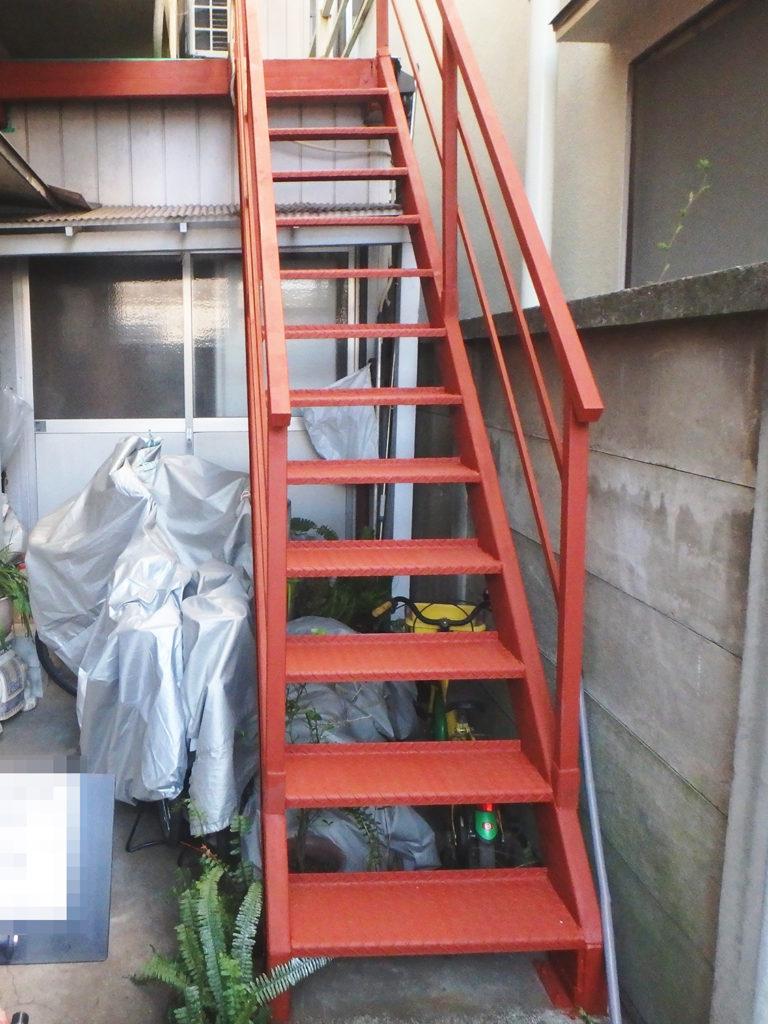 鉄骨階段防錆塗料塗装後の様子